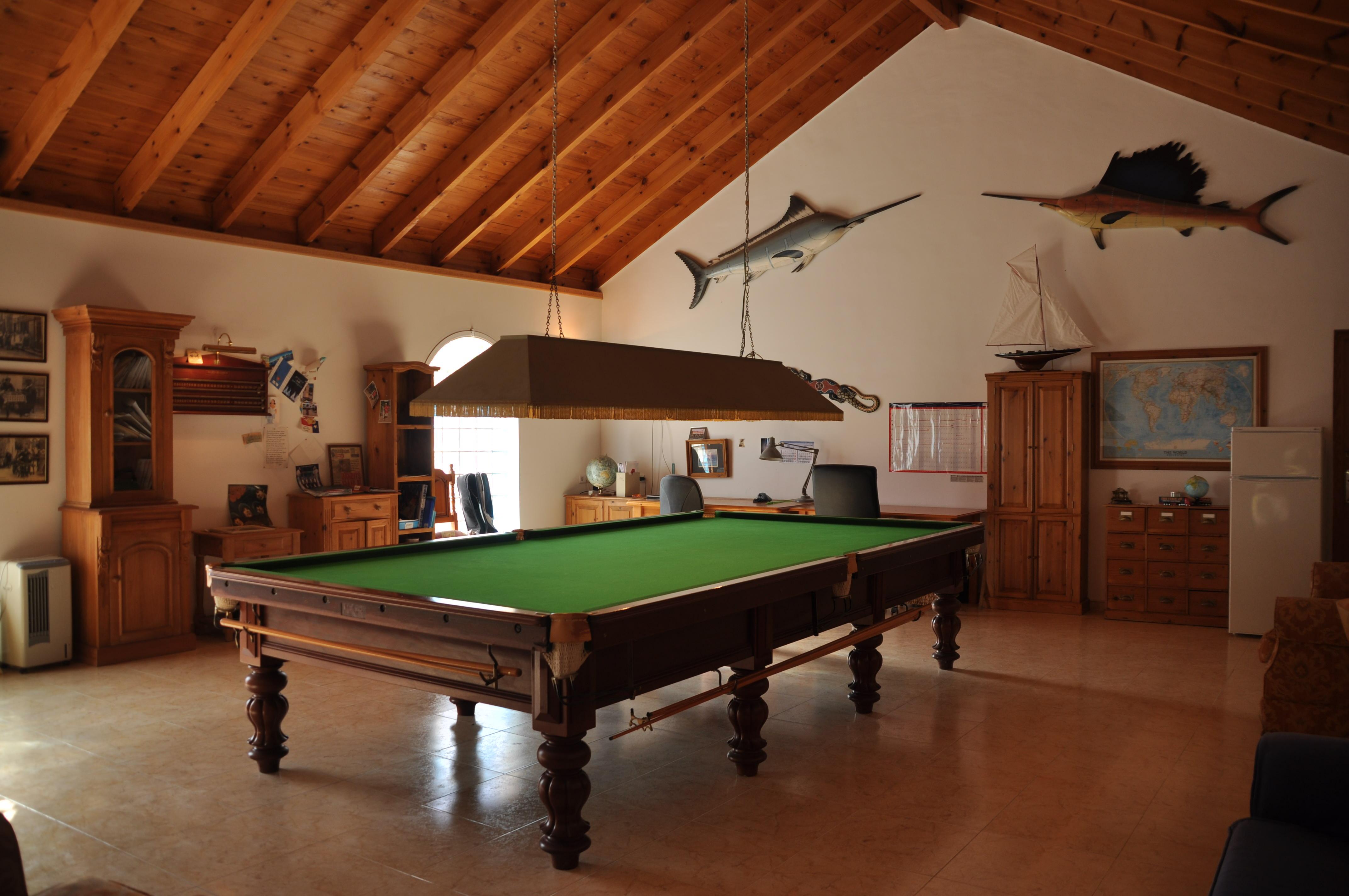 Fullsizesnookertablewithallaccessoriesavailableinsalelas - Full size snooker table for sale